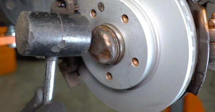 Quão difícil é efetuar a substituição de Rolamento da Roda no Mercedes W168 A 160 CDI 1.7 (168.006) 2003 por si mesmo - descarregue o guia ilustrado