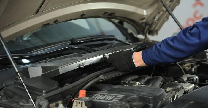 Innenraumfilter Ihres BMW E90 320i 2.0 2004 selbst Wechsel - Gratis Tutorial