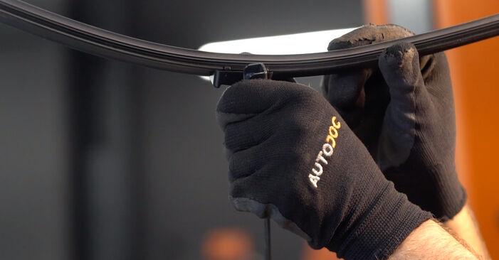 Смяна на Citroen Xsara Picasso 1.6 HDi 2001 Перо на чистачка: безплатни наръчници за ремонт