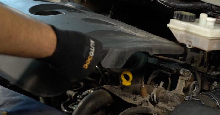 Wechseln Kraftstofffilter am CITROËN XSARA PICASSO (N68) 1.6 2002 selber