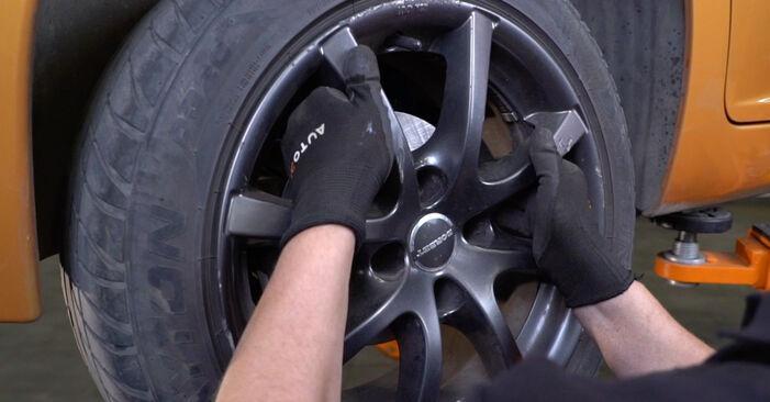 Wie schwer ist es, selbst zu reparieren: Bremsbeläge Peugeot 207 WA 1.6 16V RC 2012 Tausch - Downloaden Sie sich illustrierte Anleitungen