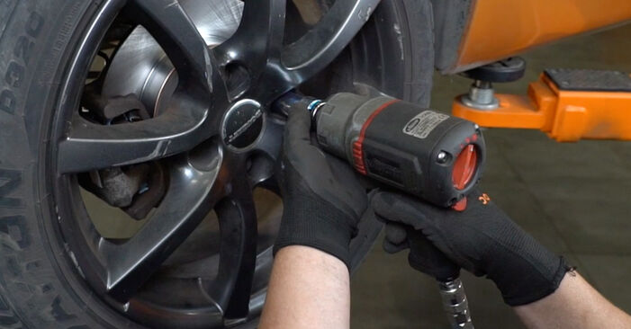 Bremsbeläge beim PEUGEOT 207 1.4 HDi 2013 selber erneuern - DIY-Manual