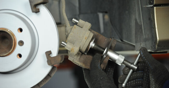 Step-by-step recommendations for DIY replacement BMW E90 2009 325i 2.5 Brake Pads
