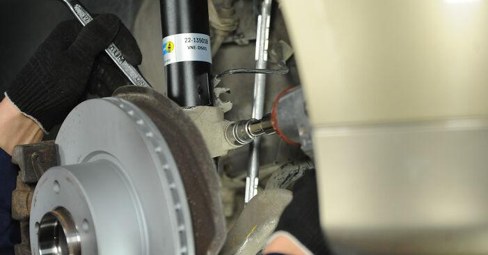 Austauschen Anleitung Federn am BMW E90 2006 320d 2.0 selbst