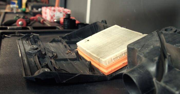 FORD FIESTA 1.4 16V Luftfilter ausbauen: Anweisungen und Video-Tutorials online