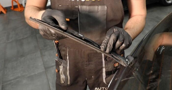 Wie Scheibenwischer FORD Fiesta Mk5 Schrägheck (JH1, JD1, JH3, JD3) 1.4 16V 2002 austauschen - Schrittweise Handbücher und Videoanleitungen