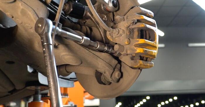 Stoßdämpfer BMW E60 520d 2.0 2003 wechseln: Kostenlose Reparaturhandbücher