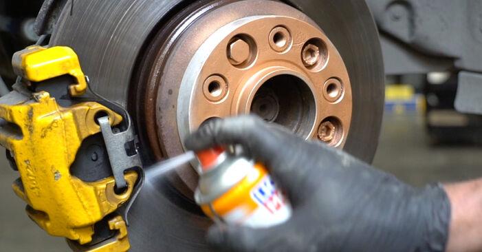 Stoßdämpfer beim BMW 5 SERIES 530d 3.0 2008 selber erneuern - DIY-Manual