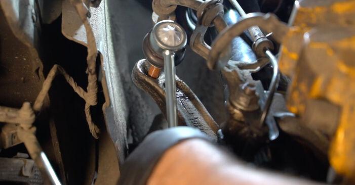 Смяна на Свързваща щанга на BMW E60 2001 530d 3.0 самостоятелно