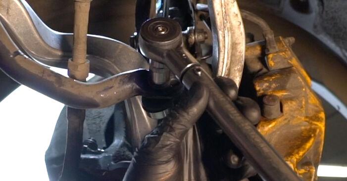 Стъпка по стъпка препоруки за самостоятелна смяна на BMW E60 2004 525d 3.0 Свързваща щанга