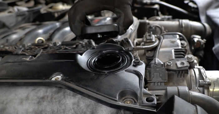 Austauschen Anleitung Luftfilter am BMW E60 2001 530d 3.0 selbst
