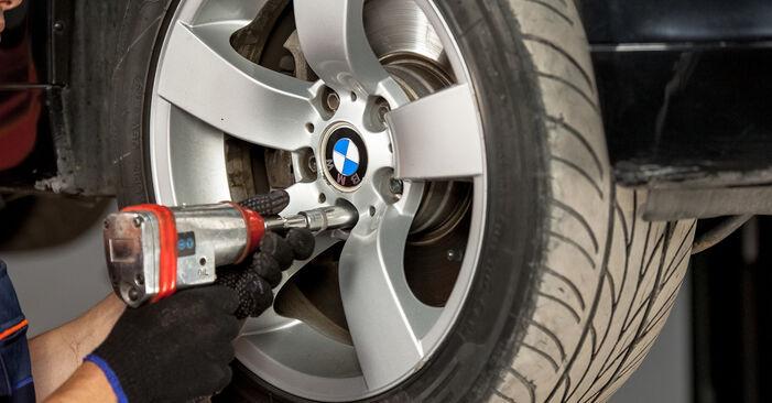 Pasikeiskite BMW 5 Sedanas (E60) 520d 2.0 2005 Amortizatoriaus Atraminis Guolis patys - internetinė instrukcija