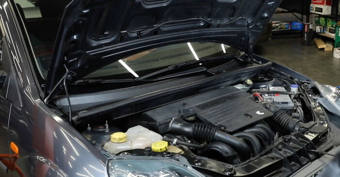 Zündkerzen Ihres Ford Fiesta Mk5 1.4 TDCi 2009 selbst Wechsel - Gratis Tutorial
