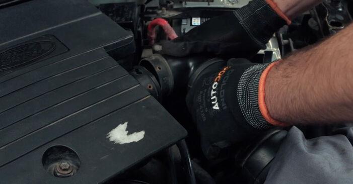 Zündkerzen Ford Fiesta Mk5 1.3 2003 wechseln: Kostenlose Reparaturhandbücher