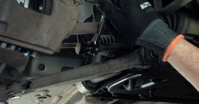 Jaké náročné to je, pokud to budete chtít udělat sami: Zkrutna tyc výměna na autě Ford Fiesta Mk5 1.6 16V 2007 - stáhněte si ilustrovaný návod