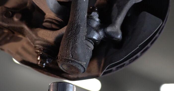 Stoßdämpfer beim BMW 5 SERIES 520i 2.2 2002 selber erneuern - DIY-Manual