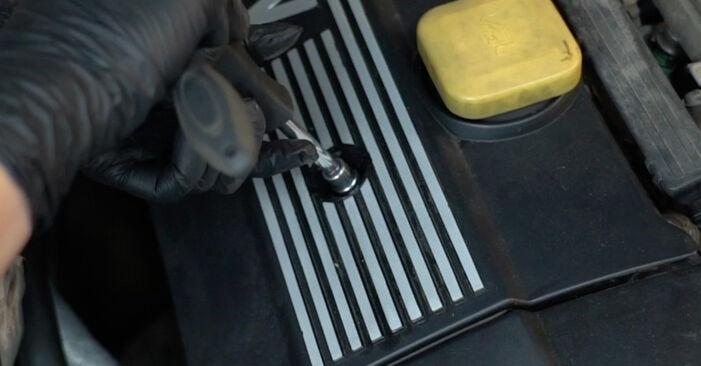 Austauschen Anleitung Zündkerzen am BMW E39 1996 523i 2.5 selbst