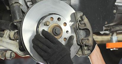 Bremsscheiben beim AUDI A4 2.5 TDI 2001 selber erneuern - DIY-Manual
