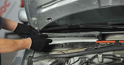 AUDI A4 1.9 TDI Innenraumfilter ausbauen: Anweisungen und Video-Tutorials online