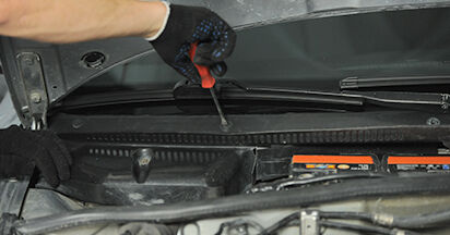 A4 (8D2, B5) 1.8 T quattro 1997 1.9 TDI Innenraumfilter - Handbuch zum Wechsel und der Reparatur eigenständig