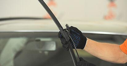 Wie schmierig ist es, selber zu reparieren: Scheibenwischer beim Audi A4 B5 Limousine S4 2.7 quattro 2000 wechseln – Downloaden Sie sich Bildanleitungen