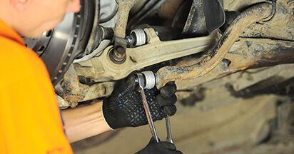 Wie schwer ist es, selbst zu reparieren: Koppelstange Audi A4 B5 Limousine S4 2.7 quattro 2000 Tausch - Downloaden Sie sich illustrierte Anleitungen