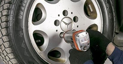 Vaiheittaiset suositukset W202 Mercedes 1998 C 200 2.0 (202.020) -auton Jarrulevyt-osien tee se itse -vaihtoon