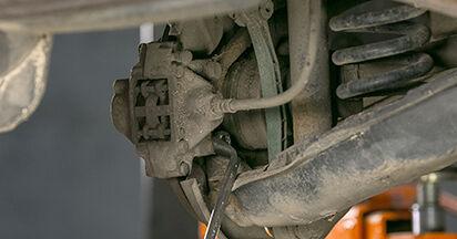Mercedes W202 C 250 2.5 Turbo Diesel (202.128) 1995 Bremsscheiben wechseln: Kostenfreie Reparaturwegleitungen