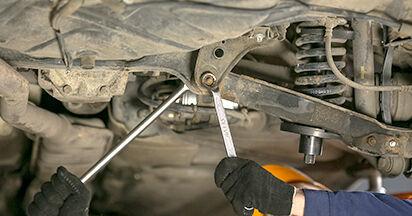 Federn Ihres Mercedes W202 C 220 2.2 (202.022) 1993 selbst Wechsel - Gratis Tutorial