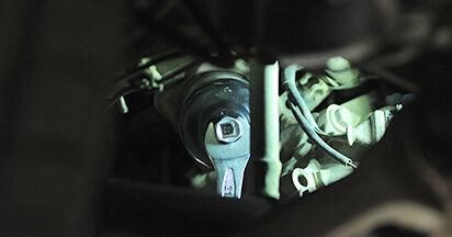 Wie Ölfilter Audi A4 B5 Limousine 1.6 1994 tauschen - Kostenlose PDF- und Videoanleitungen