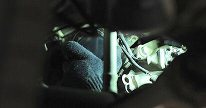 Wie AUDI A4 1.8 T quattro 1998 Ölfilter ausbauen - Einfach zu verstehende Anleitungen online