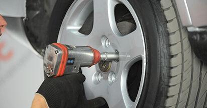 Consigli passo-passo per la sostituzione del fai da te Audi A4 B5 Sedan 1999 1.8 T quattro Ammortizzatori