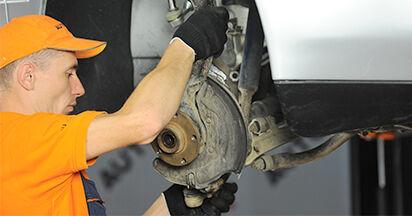 Schritt-für-Schritt-Anleitung zum selbstständigen Wechsel von Audi A4 B5 Limousine 1999 1.8 T quattro Radlager