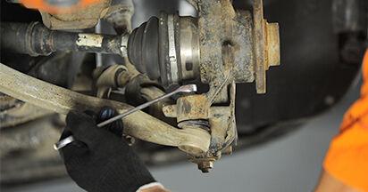 Wie schwer ist es, selbst zu reparieren: Radlager Audi A4 B5 Limousine S4 2.7 quattro 2000 Tausch - Downloaden Sie sich illustrierte Anleitungen
