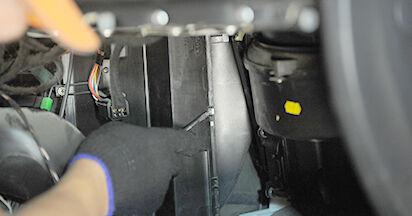 Innenraumfilter am OPEL ASTRA G Hatchback (F48_, F08_) 1.8 16V (F08, F48) 2003 wechseln – Laden Sie sich PDF-Handbücher und Videoanleitungen herunter