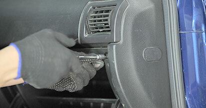 Tausch Tutorial Innenraumfilter am OPEL ASTRA G Hatchback (F48_, F08_) 1998 wechselt - Tipps und Tricks