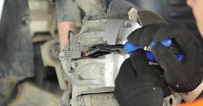 Consigli passo-passo per la sostituzione del fai da te Mercedes W211 2007 E 280 CDI 3.0 (211.020) Pastiglie Freno