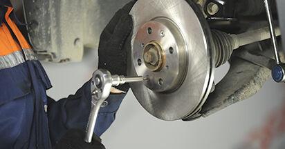 Wie schwer ist es, selbst zu reparieren: Radlager SUZUKI SWIFT III (MZ, EZ) 1.2 2011 Tausch - Downloaden Sie sich illustrierte Anleitungen