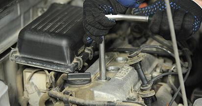 Zündkerzen Nissan Micra k11 1.4 i 16V 1994 wechseln: Kostenlose Reparaturhandbücher