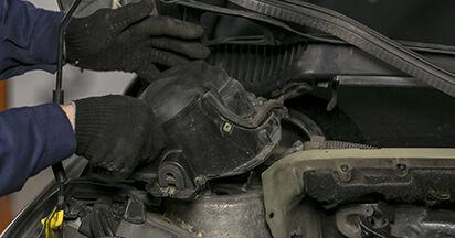 À quel point est-il difficile de le faire soi-même : télécharger le guide illustré pour le changement de Amortisseurs sur Peugeot 407 Berline 2.0 16V 2010