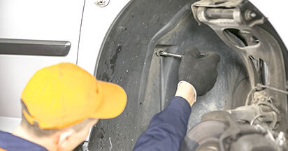 Schritt-für-Schritt-Anleitung zum selbstständigen Wechsel von Peugeot 407 Limousine 2009 2.0 HDi Federn