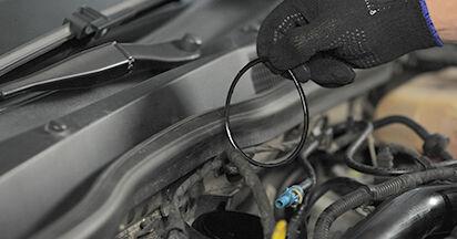 OPEL ASTRA 1.3 CDTI (L48) Kraftstofffilter ausbauen: Anweisungen und Video-Tutorials online