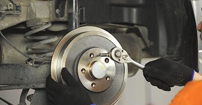 Jak vyměnit Lozisko kola na SKODA OCTAVIA (1U2) 2008 - tipy a triky