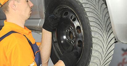 Tausch Tutorial Traggelenk am SKODA OCTAVIA (1U2) 2008 wechselt - Tipps und Tricks