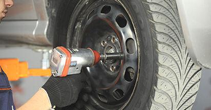 Schritt-für-Schritt-Anleitung zum selbstständigen Wechsel von Skoda Octavia 1u 2009 2.0 Traggelenk