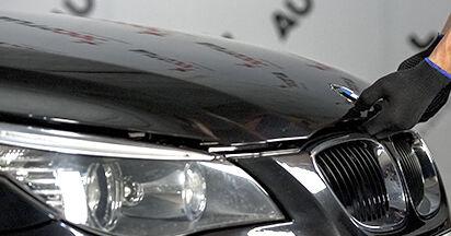 Comment changer Filtre d'Habitacle sur BMW 5 (E60) 2003 - trucs et astuces