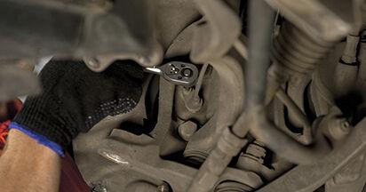 Sostituire Ammortizzatori su BMW 5 (E60) 520d 2.0 2005 non è più un problema con il nostro tutorial passo-passo
