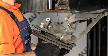 Come rimuovere BMW 5 SERIES 525d 3.0 2005 Ammortizzatori - istruzioni online facili da seguire