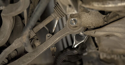 Wechseln Sie Stoßdämpfer beim BMW E60 2001 530d 3.0 selber aus