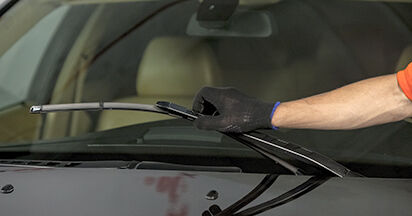 How to change Wiper Blades on BMW E60 2001 - free PDF and video manuals